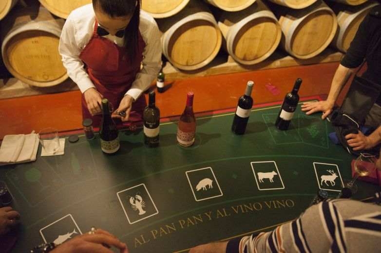 "TEAM BUILDING SEVILLA ""EL CASINO DEL VINO"""